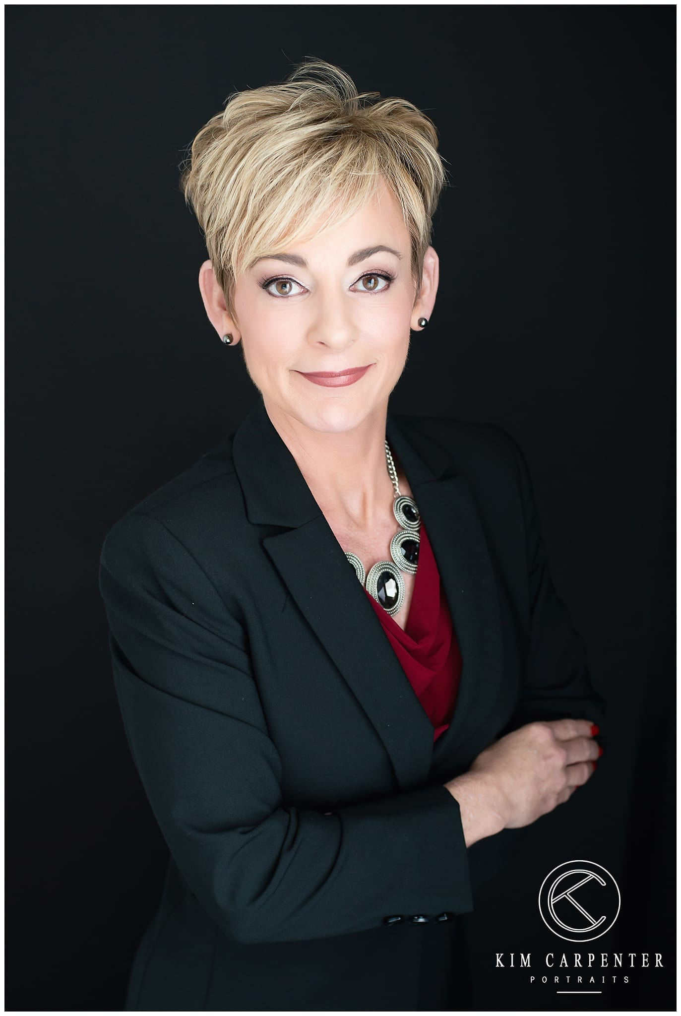 picture of a woman who is posing for camera after getting a makeover. Lakeland Photographer, professional headshots