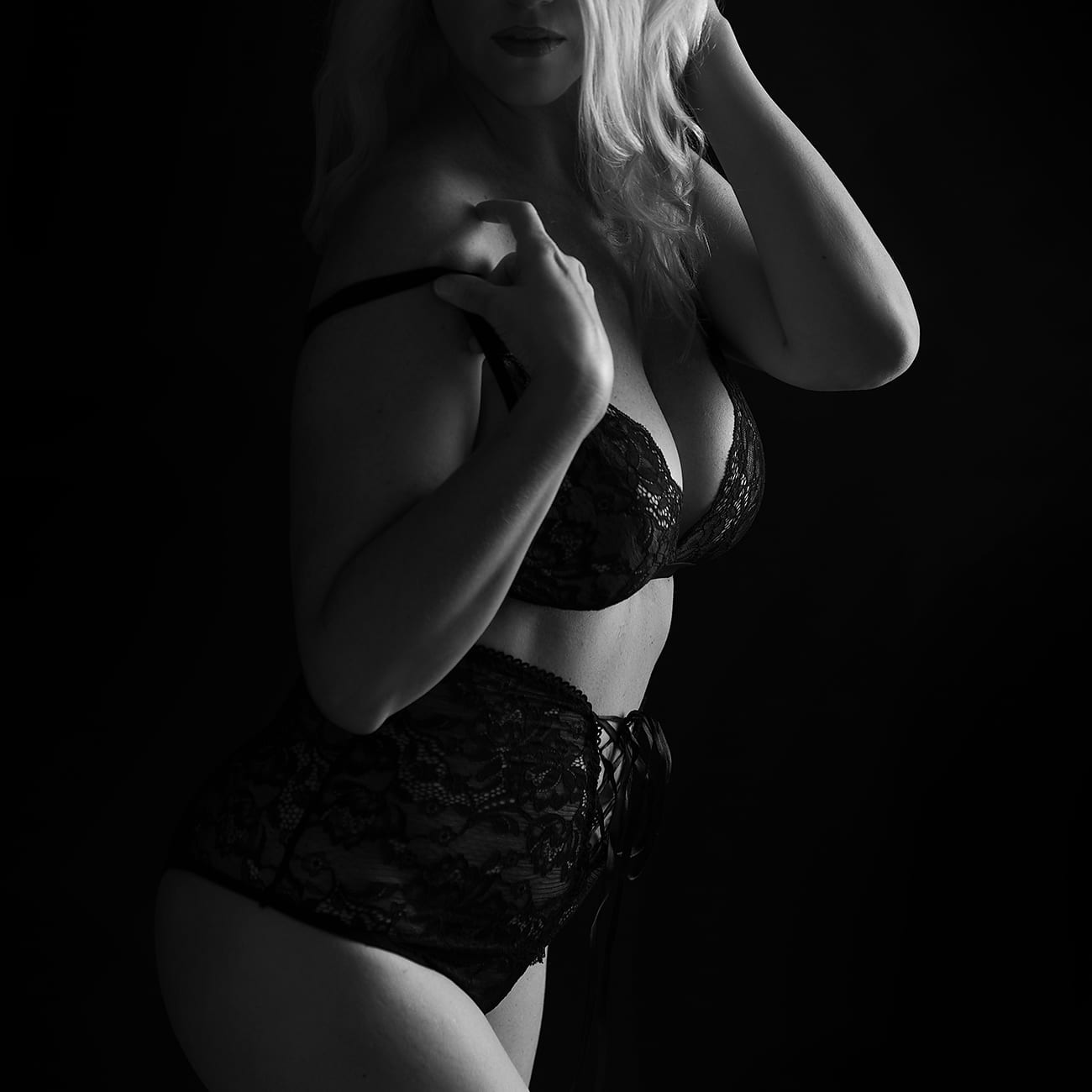 Boudoir Photography Black and White Directional Light